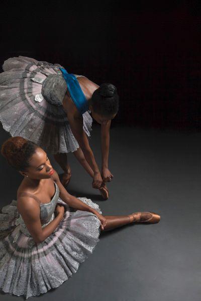 Ballerinas of Colour Finally Get Shoes to Fit Darker Skin - 彩色芭蕾舞演员终于给Fit Darker Skin买鞋