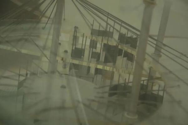 胡伟,《样板间 – 如何共同居住》(静帧),2020,录像。